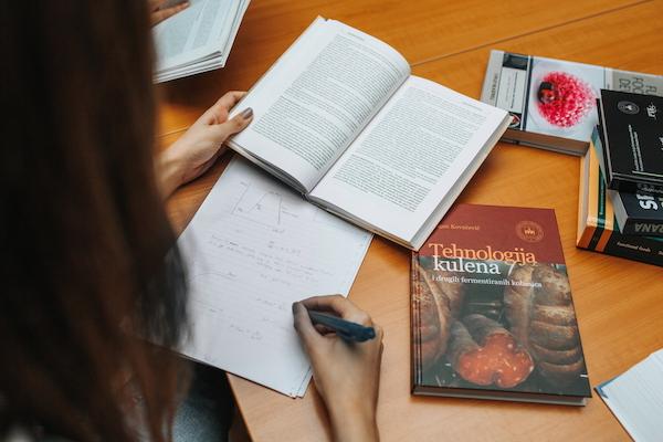 Educiranje studentske populacije o fondovima Europske unije i uspješnim EU projektima